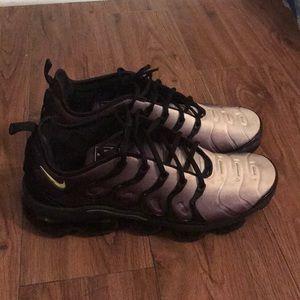 Nike Air Vapormax Plus Men's Shoes Size 12